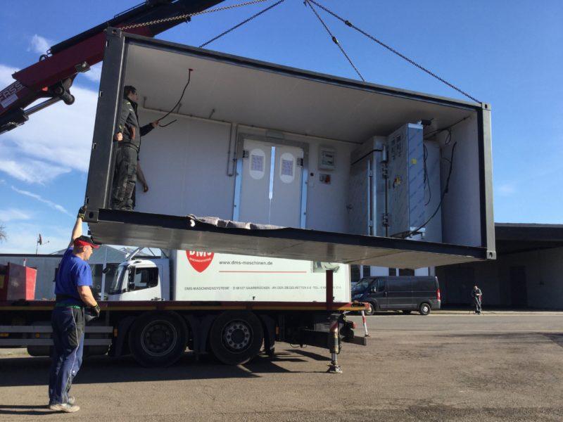 Verladen eines Containers